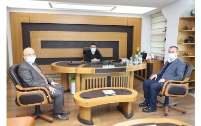 AK Parti İl Başkanı Hüseyin Ceylan Uluçay beraberinde İl Genel Meclis Başkanı Burhanettin Çoban ın ziyaretleri dolayısıyla kendilerine teşekkürlerimizi sunarız.