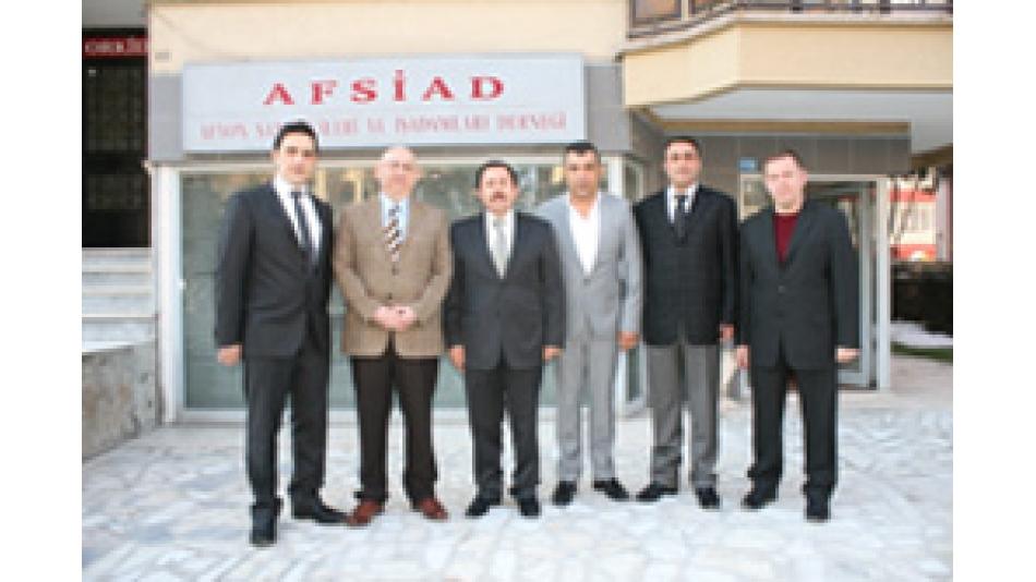 'Vali Balkanlıoğlu''ndan AFSİAD''a iade-i ziyaret- Gazete 3- 15.Mart.2011