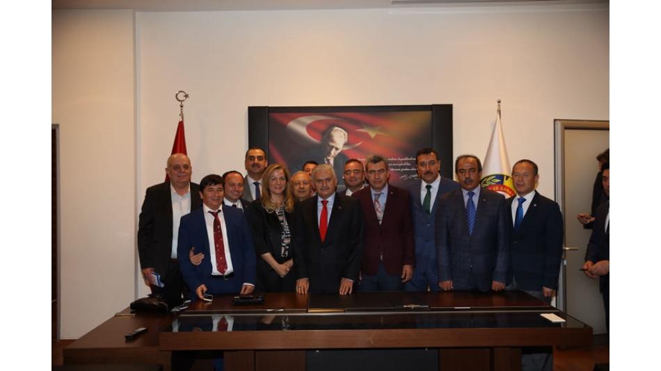 """""""3.Havalimanında Türk Mermer ve Doğaltaş ile Afyon Mermeri Kullanılmalı"""""""