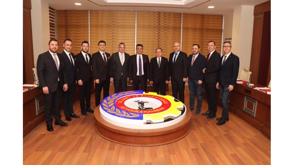 AFSİAD Afyonkarahisar Ticaret ve Sanayi Odası Başkanı Hüsnü SERTESER ve Meclis Başkanı Mehmet Sıtkı MERDİVENCİ'yi ziyaret etti.